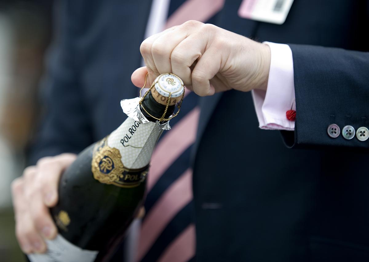 Cómo abrir una botella de Cava o Champagne